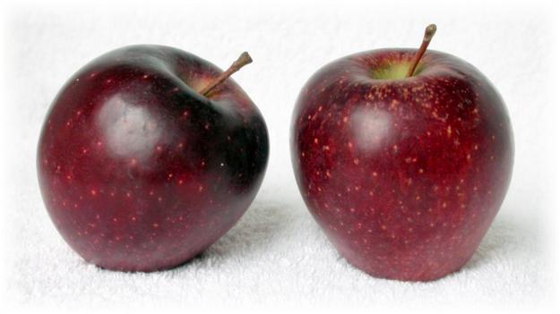 2 свежих яблока